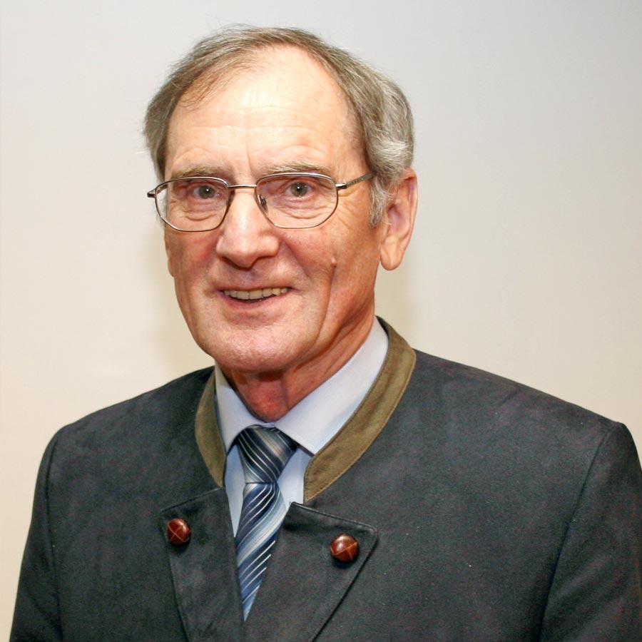 Fritz Loscher-Frühwald wird zum Ehrenpräsidenten ernannt
