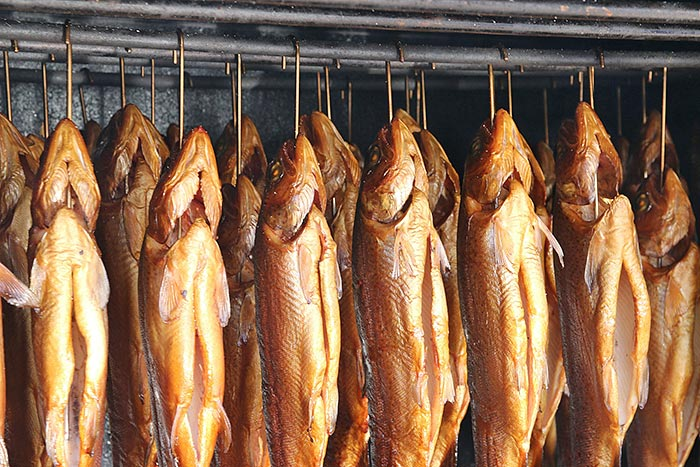 Wie räuchert man denn nun richtig Fisch?